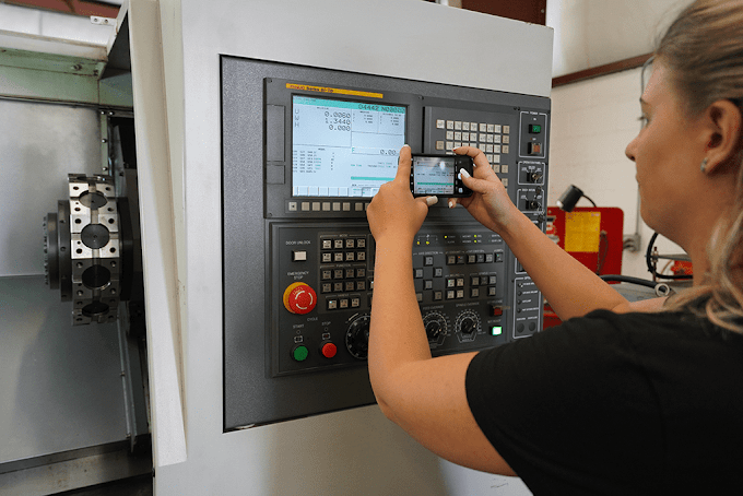What are the major benefits of CNC machines?