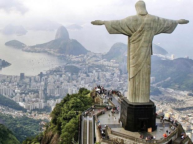 A atriz Paloma Bernardi, que nasceu em São Paulo, elegeu como favorito um dos principais cartões postais do Rio, o Cristo Redentor. (Foto: Cristo Redentor / Divulgação / Governo Federal)
