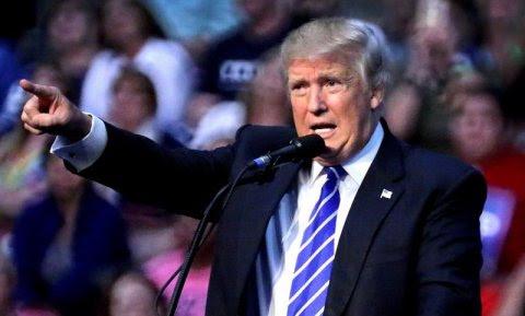 El candidato republicano a la Presidencia de EEUU, Donald Trump, durante un evento de campaña en Sunrise, al oeste de Fort Lauderdale (Florida, EEUU)./ EFE