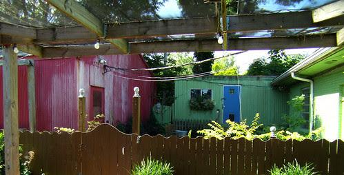 P5200203-Habersham-Gardens-Colorful-Sheds