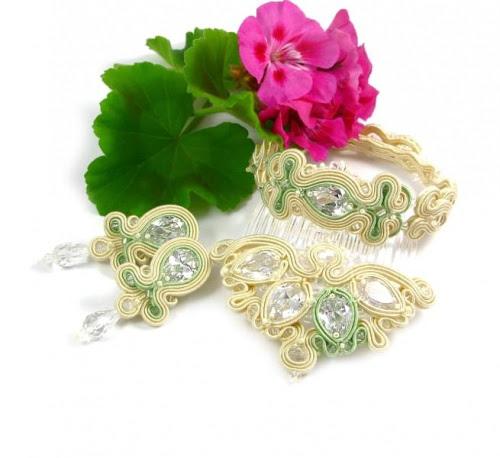 Miętowa biżuteria ślubna