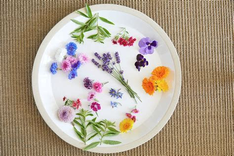 Edible Flowers UK   The Ultimate Guide   Interflora