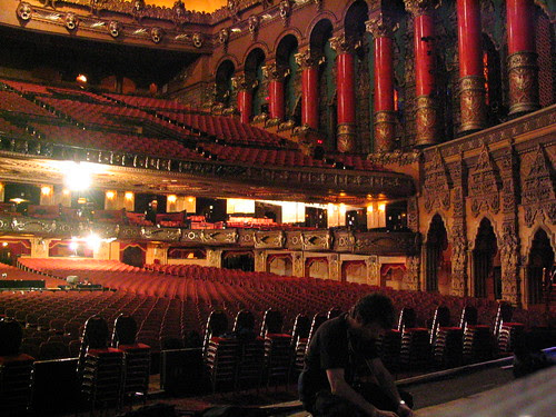 Detroit's Fox Theatre interior (during Savion Glover presentation)
