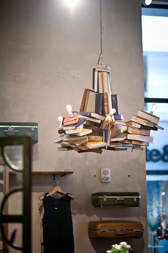 anthropologie-display-chandelier