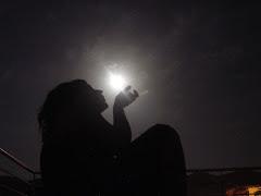 xiuxiuejant a la lluna...
