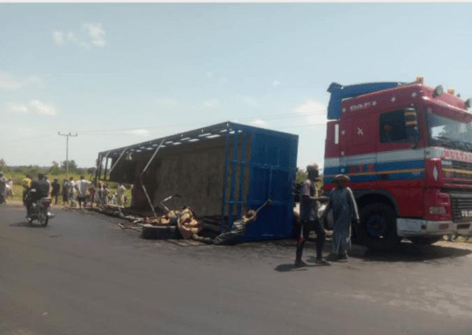 Incident scene where Trailer skipped-off in Adamawa
