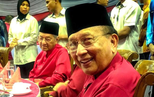 TERKINI. Kenyataan Berani Rais Yatim Ini Buat Ramai Ahli UMNO Cuak
