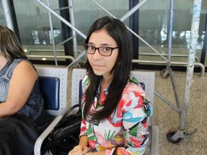 Estudante que fará vestibular amanhã (1º) em São Paulo teve voo atrasado em quase dez horas (Foto: Camila Henriques/G1 AM)