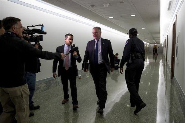 El senador demócrata Tim Kaine consideró alentadoras las reformas de Macri