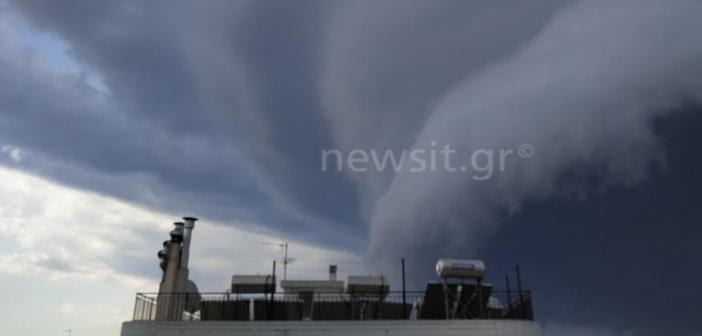 Καιρός: Τι είναι το shelf cloud που κάλυψε όλη την Αττική (ΔΕΙΤΕ ΦΩΤΟ)
