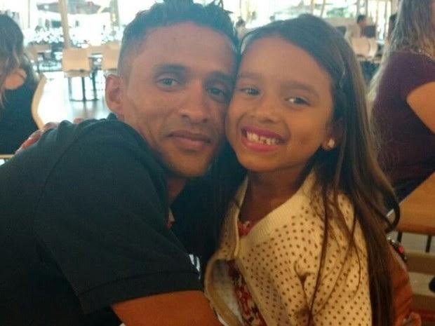 Técnico de informática David Medrado, 35, matou a filha, Beatriz Medrado, 7, em Goiânia, Goiás (Foto: Reprodução/Facebook)