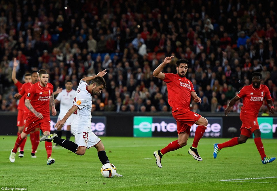Coke netted his second six minutes after his first despite calls for offside from enraged Liverpool players