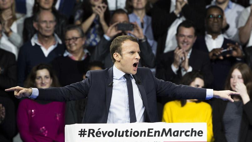Emmanuel Macron s'est enflammé à la fin de son meeting samedi à Paris.