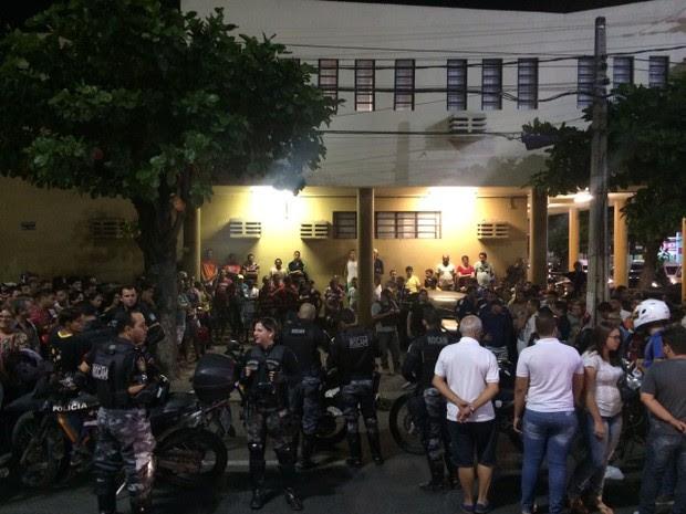 Assalto carro-forte em Caruaru (Foto: Itthallyne Marques/TV Asa Branca)