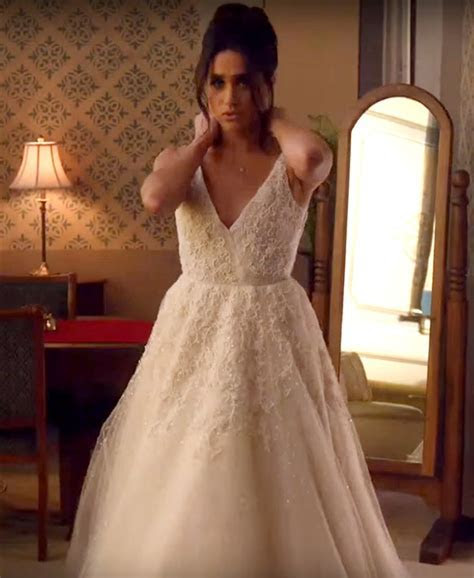 Meghan Markle wears wedding gown on 'Suits'