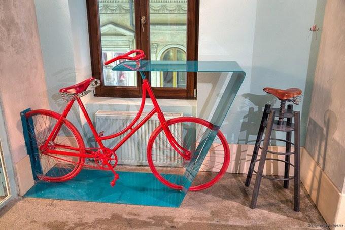 Велобар и мебель из велосипедов