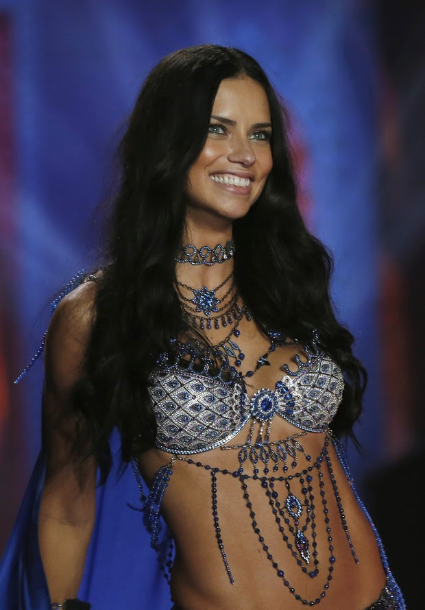 Victoria's Secret Fashion Show 2014 - Adriana Lima (Foto: Reuters)