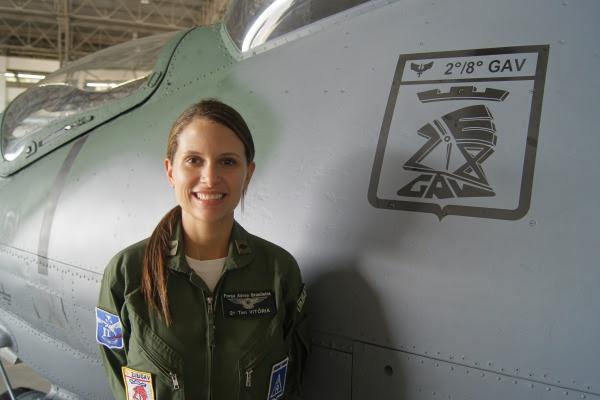 Tenente Vitória é formada na Academia da Força Aérea  Sgt Guto / Esquadrão Poti
