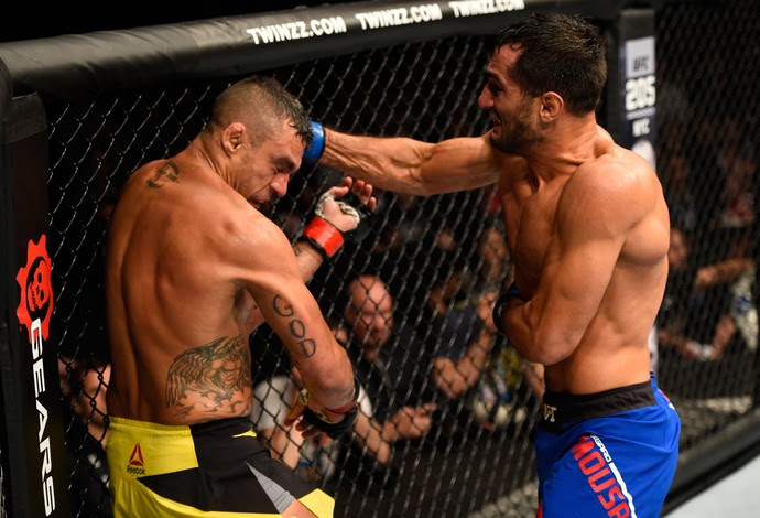 Vitor Belfort perde para Mousasi (Foto: Getty Images)