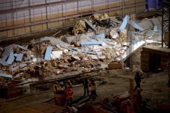 A parede tinha aproximadamente 80 metros de largura