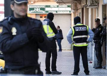 Spanish police arrest suspected Islamic State recruiter