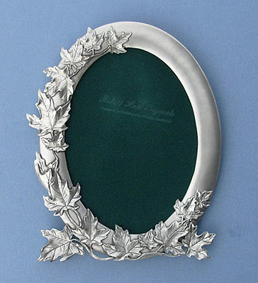 5x7 Maple Leaf Oval Picture Frame Lead Free Pewter Picture