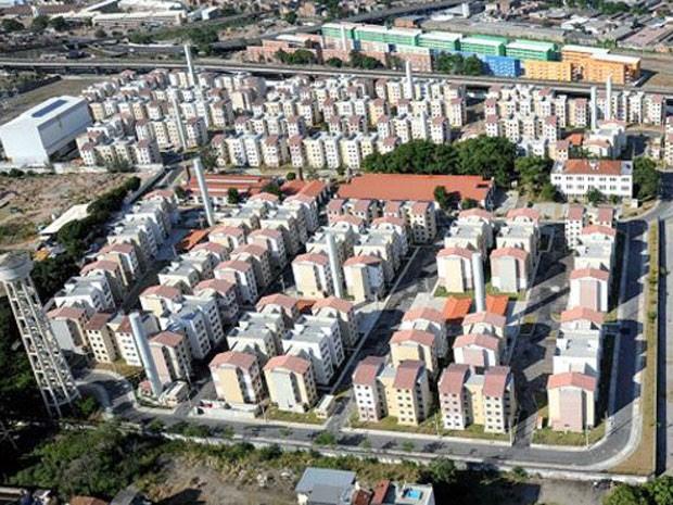 'Bairro-modelo' do Minha Casa Minha Vida no Rio e planejado para 11 mil pessoas, o Bairro Carioca, na zona norte, sofre com enchentes, problemas estruturais e ação de traficantes  (Foto: Prefeitura do Rio)