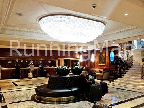 Radisson Blu Edwardian Hotel 04 - Main Foyer