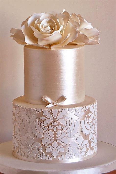 Best 25  Elegant cakes ideas on Pinterest   Floral cake