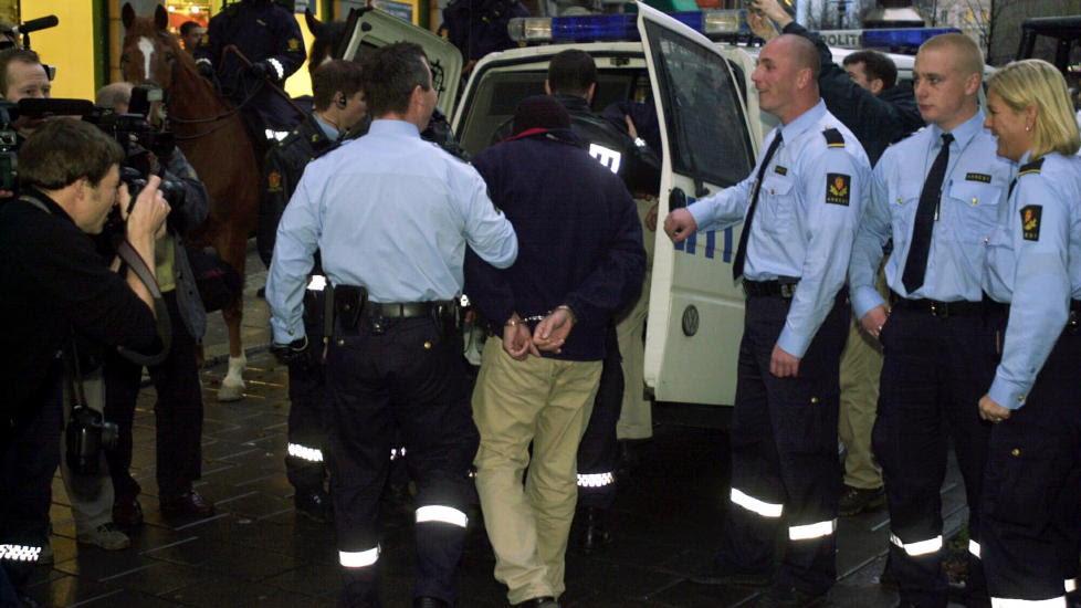 GJENGOPPGJØR: Under en rettssak mot A-gjengen brøt det ut slagsmål utenfor Tinghuset i Oslo. Foto: OLE C.H. THOMASSEN