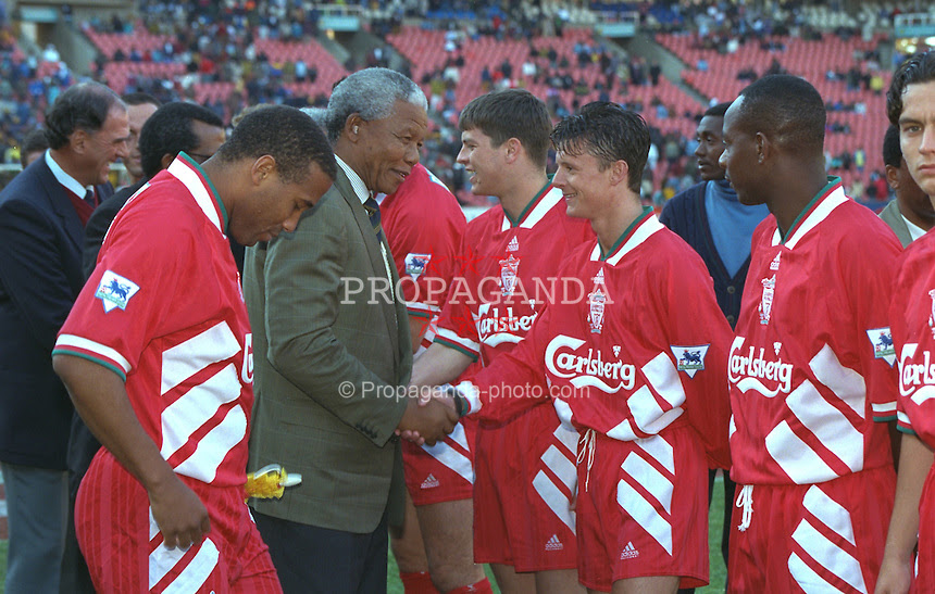 940529 018 Kaizer Chiefs Lpool RIP Nelson Mandela, his life through a football lens [Pictures]