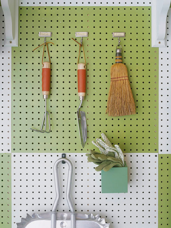 white and green storage grid