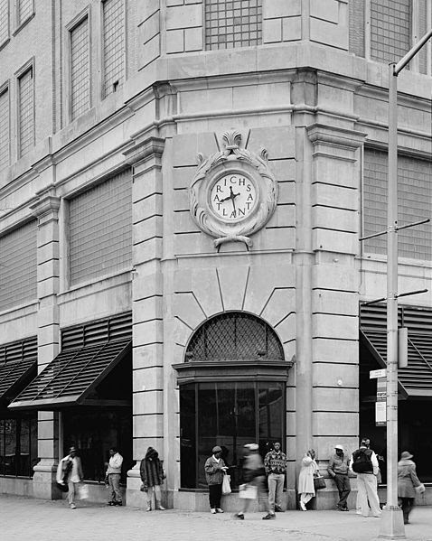 File:View of northeast corner of 1924 store, from northeast looking southwest. - Rich's Downtown Department Store, 45 Broad Street, Atlanta.jpeg