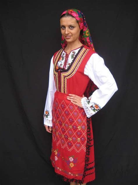 Bulgarian traditional costume / ??????????? ???????????