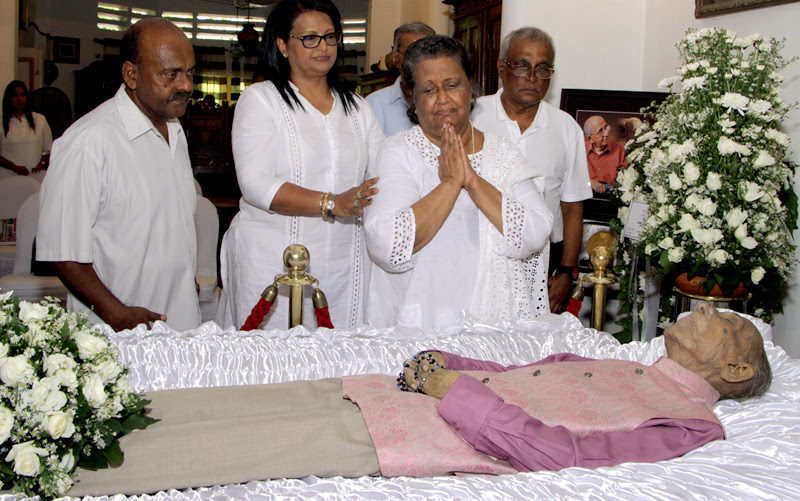 Paying last respects to cinema legends
