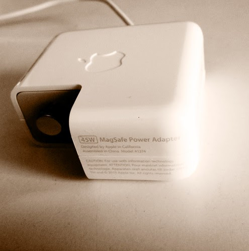 MagSafe Power Adapter 45W by cinz