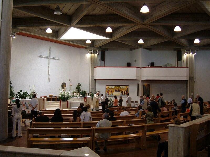 File:Q17 Trieste - Chiesa SS. Trinità a Villa Chigi 4.JPG