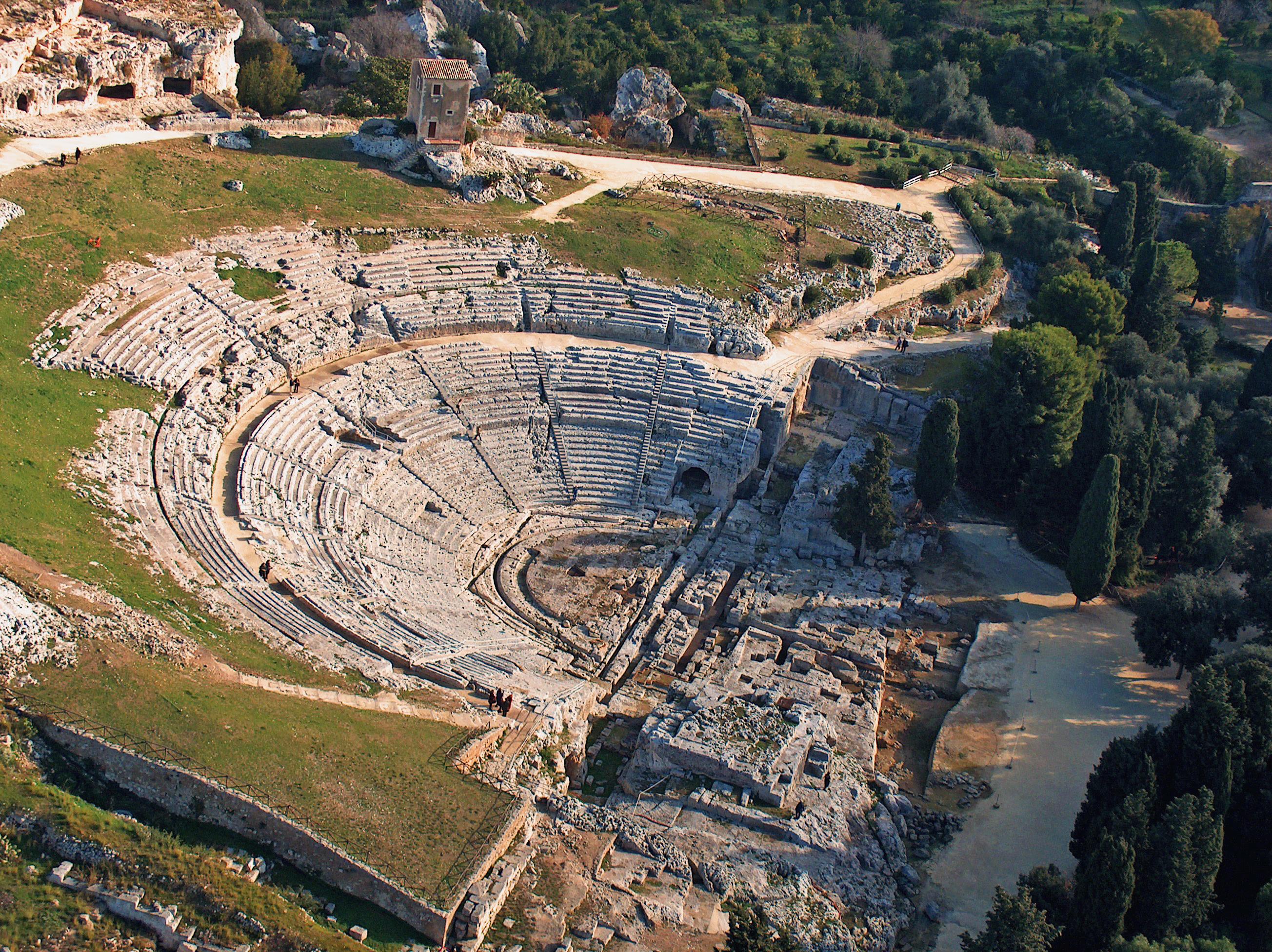 Teatro_greco_di_Siracusa_ _aerea