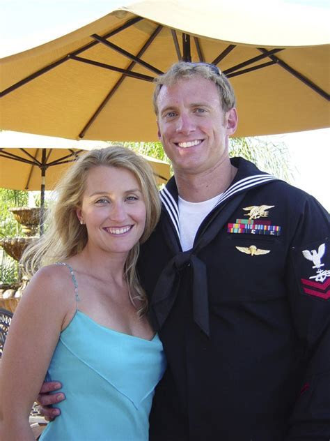 Navy SEAL widow loses wedding band between Houston and DC