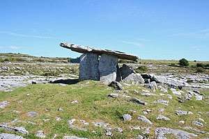 English: Poulnabrone portal tomb, County Clare...