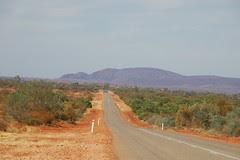 route entre Carnarvon et Forstercue rive Roadhouse, Australie