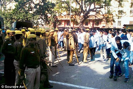 Peaceful: Medical students protest in front of Nirman Bhawan