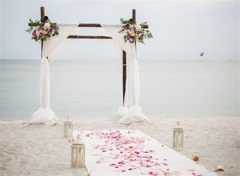 DIY Beach Wedding Centerpieces and Decor [A Chic Mermaid