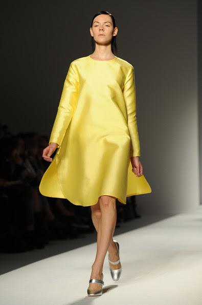 Max+Mara+Milan+Fashion+Week+Womenswear+2011+QwqVUAnEkX0l