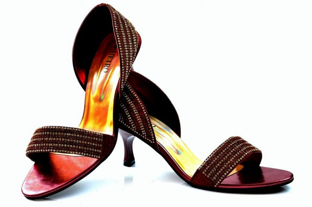 Girls-Womens-Beautiful-Fancy-High-Shoes-Eid-Footwear-Collection-2013-by-Metro-Shoes-4