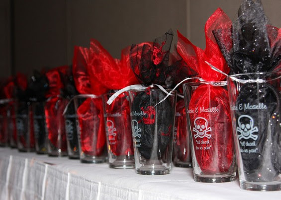 25 Stunning Red And Black Halloween Ideas
