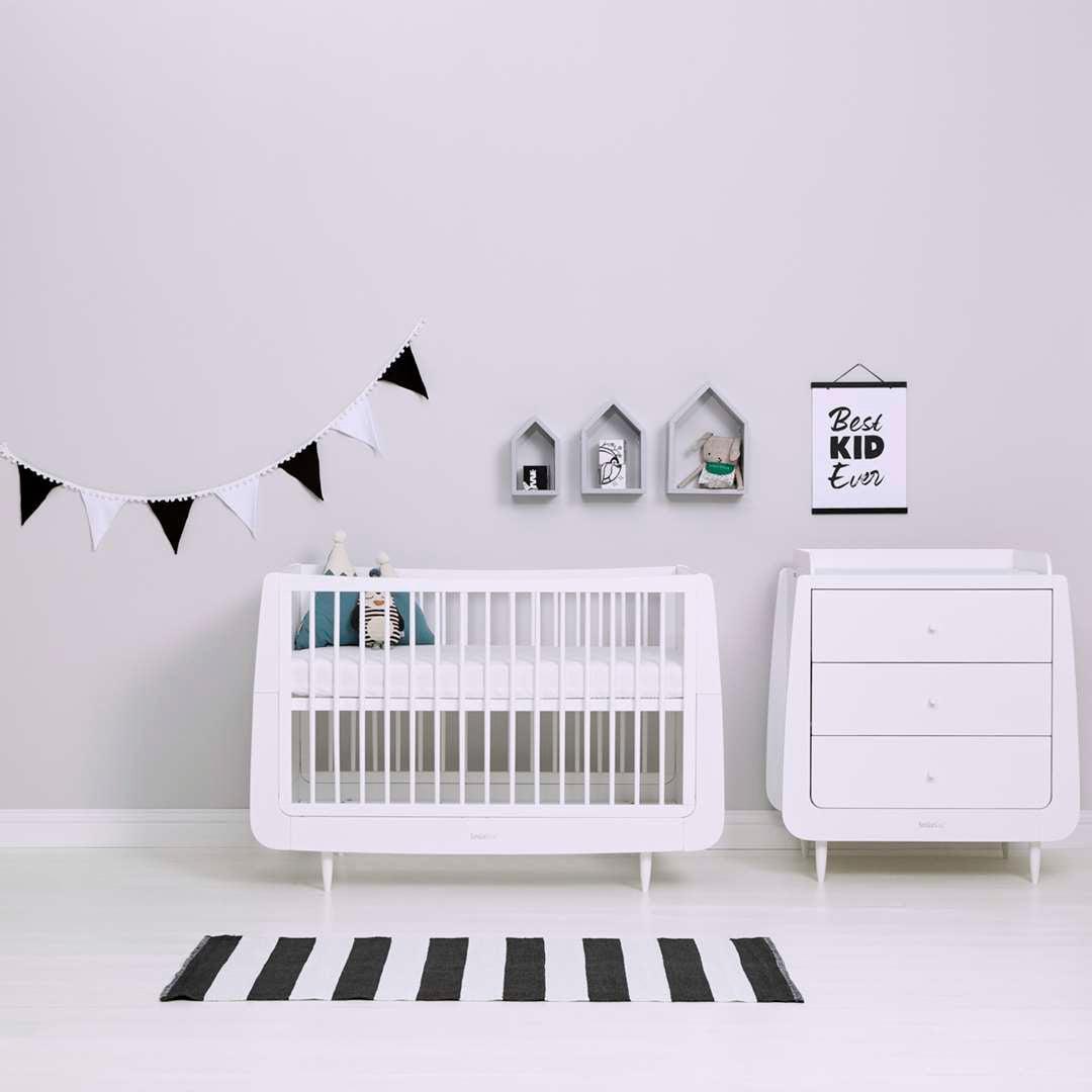 Snuz Bunting - Black & White Mono