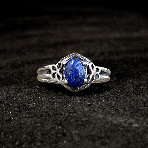 Sterling Lapis Ring: Sterling Silver and Lapis Lazuli