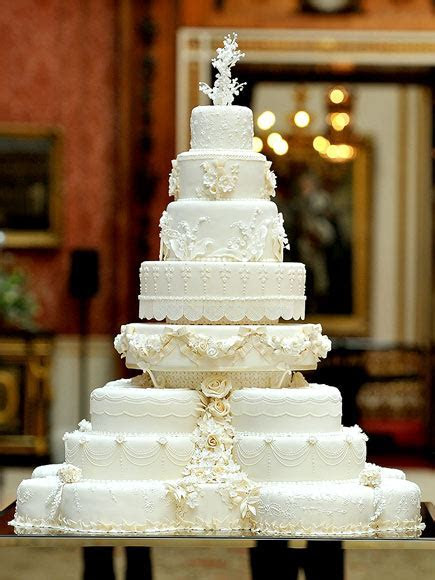 Our Favorite Royal Wedding Cakes to Inspire You   Arabia