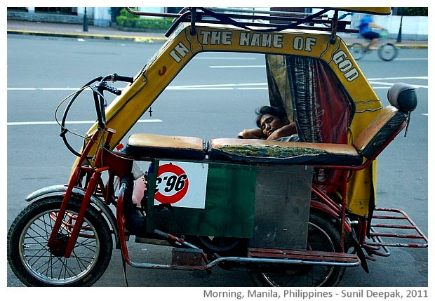 Street persons, Manila, Philippines - images by Sunil Deepak, 2011